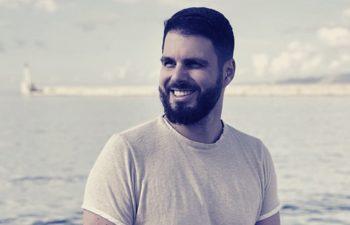Photo de Nil Parra, fondateur de Comme Avant